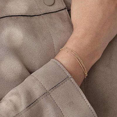 Mevecco Tiny Gold Pearl Bracelet