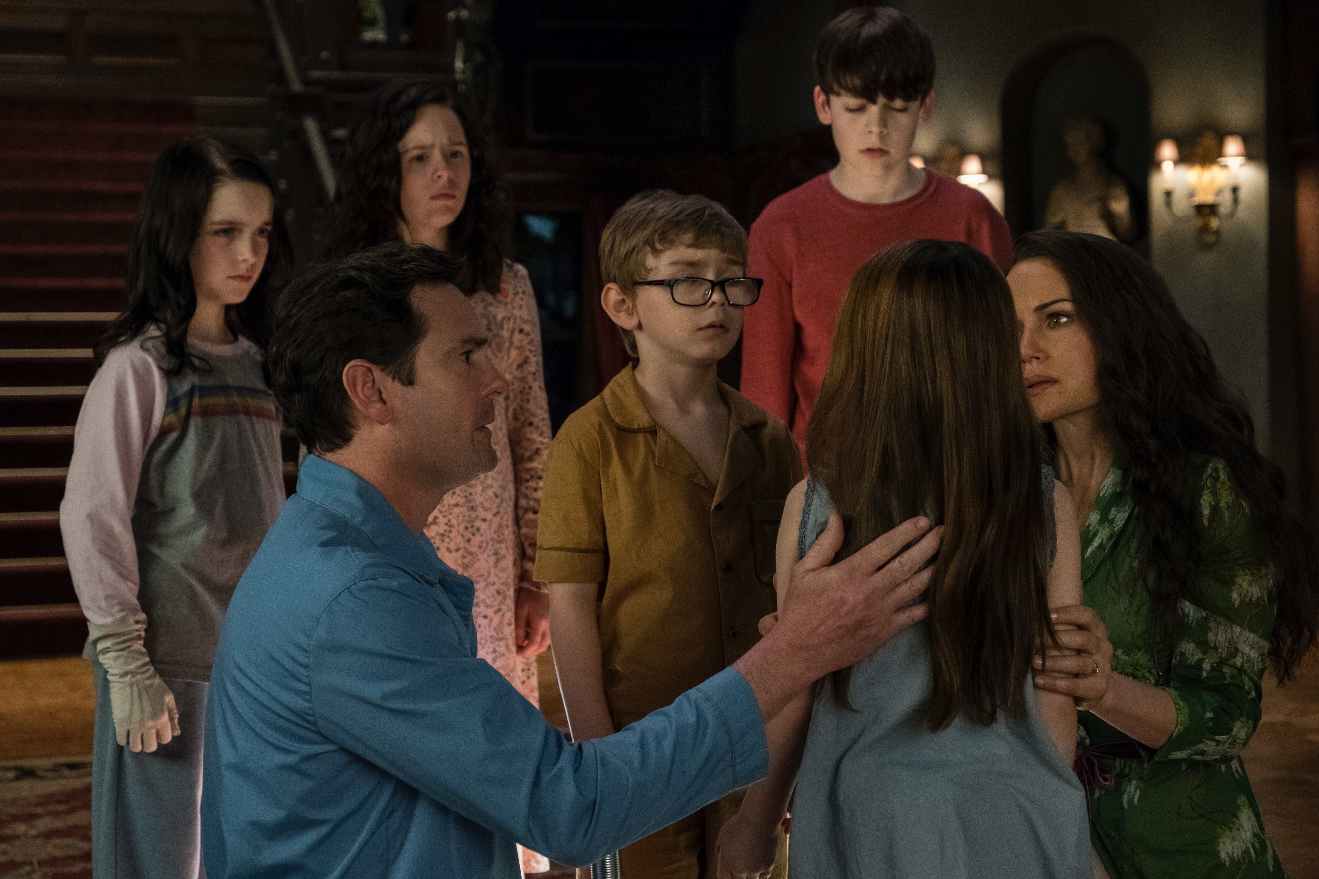The Haunting Of Hill House Season 2 Cast Will Have A Ton Of Familiar Faces