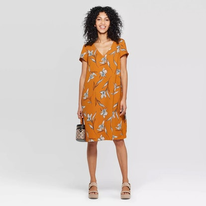 A New Day™ Rust/White Women's Floral Print Short Sleeve V-Neck Crepe Dress