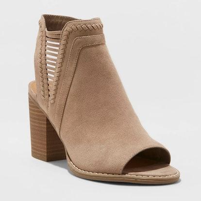 Universal Thread™ Women's Jazlyn Microsuede Whipstitch Block Heel Pumps
