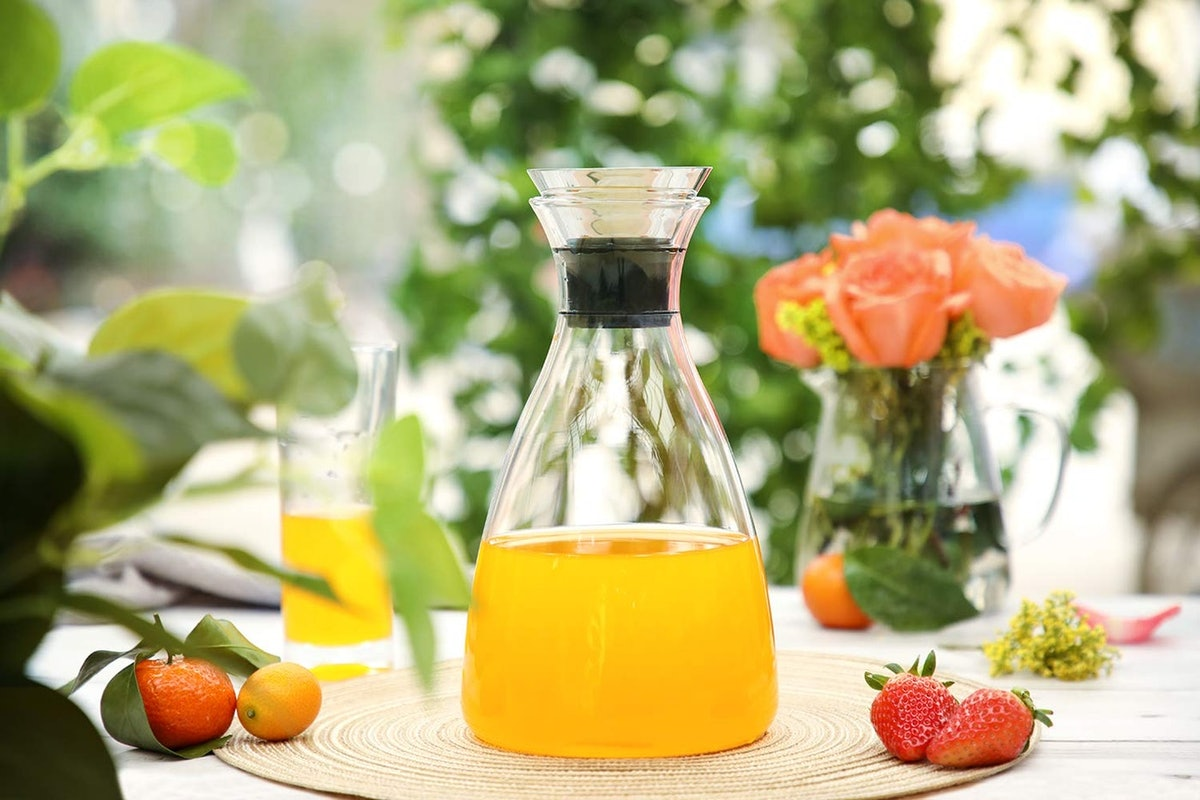 Hiware Glass Pitcher With Lid