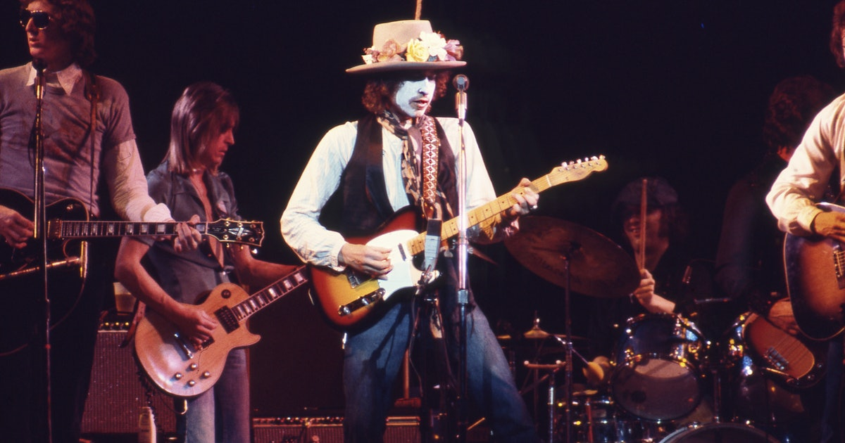 """""""Actually, They're All True"""": 'Isis' and the Slipping of Bob Dylan's Mask"""