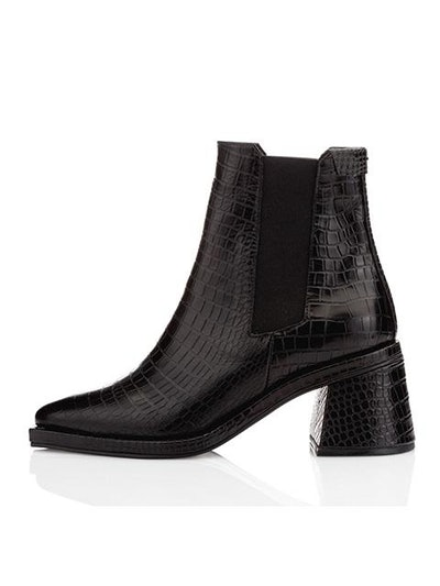 Square Chelsea Boots