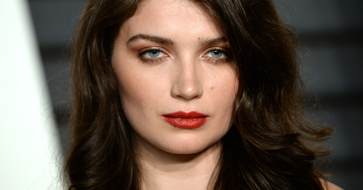 Who Is Eve Hewson? The 'Behind Her Eyes' Star Has A Very Famous Rockstar Dad