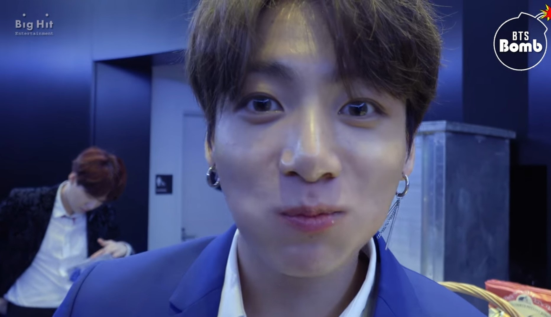 This Video Of Jungkook Convincing BTS To Eat Hot Dogs Will