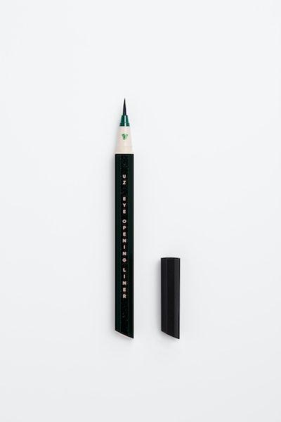 Eye Opening Liner 7 Shades of Black in Green Black