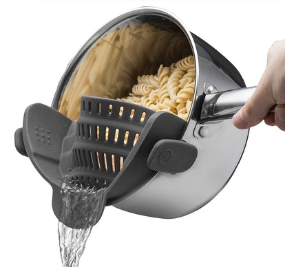 Kitchen Gizmo Snap 'N Strainer