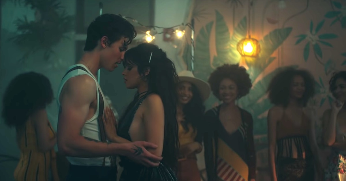 """This Shawn Mendes & Camila Cabello Couples Costume For Halloween 2019 Is Ideal For """"Señorita"""" Fans"""