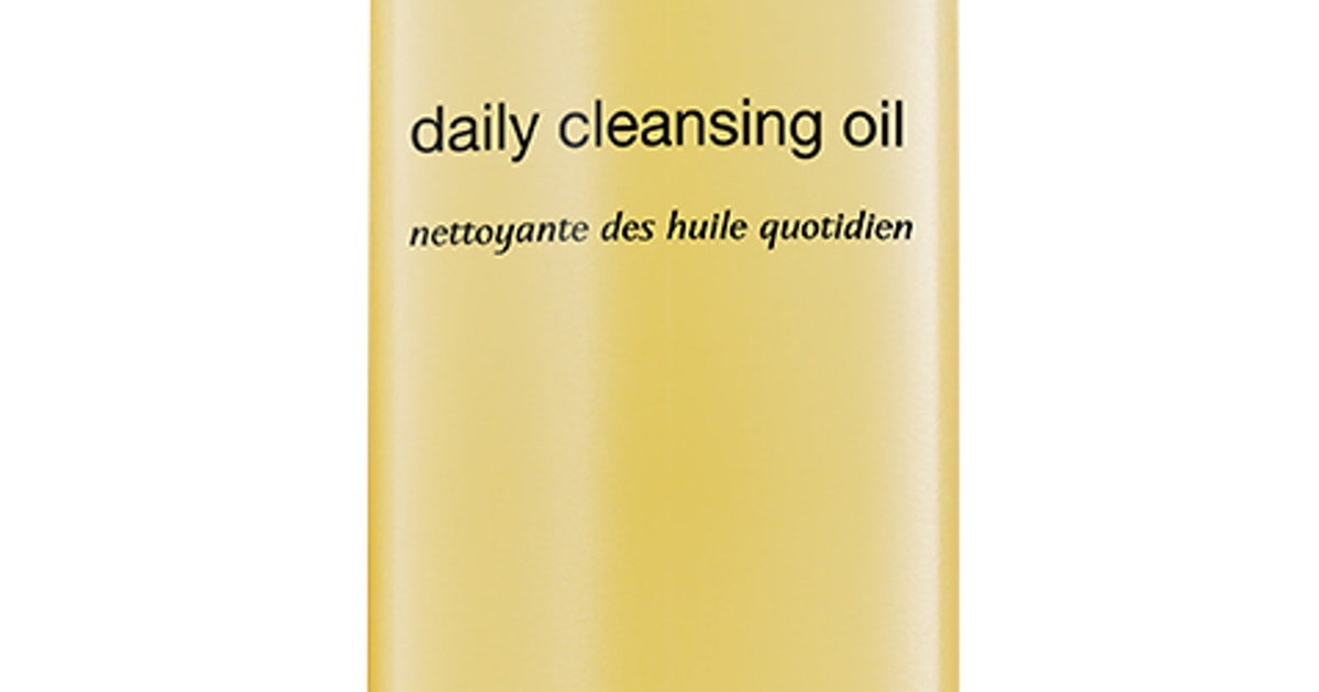 PCA SKIN's New Daily Cleansing Oil Is The Missing Step In Your Face-Washing Routine