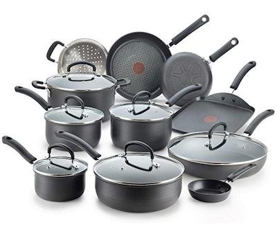 T-Fal Nonstick Cookware Set (17 Pieces)