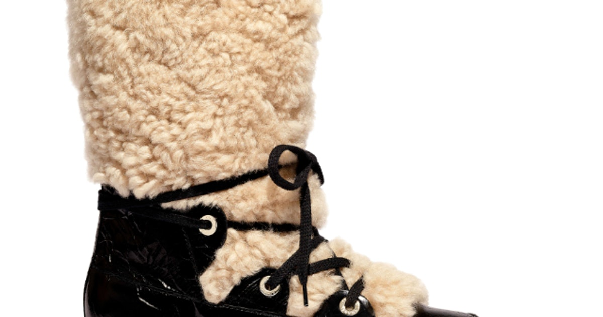 Chanel's Fall/Winter 2019 Snow Boots Are Available To Shop (& They're Just As Good As You Remember)