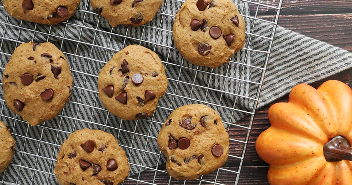 This Pumpkin Spice Chocolate Chip Cookie Recipe Will Pair Great With Your PSL