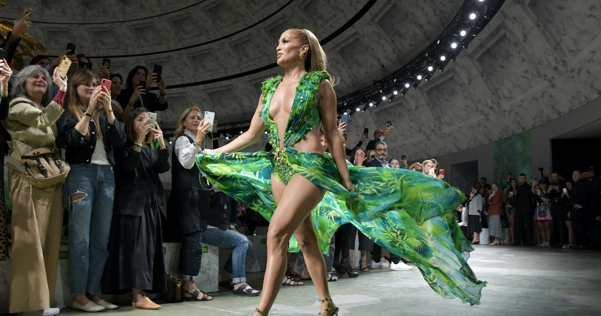 Jennifer Lopez's Versace Dress Closed The Spring/Summer 2020 Runway & It Broke The Internet (Again)