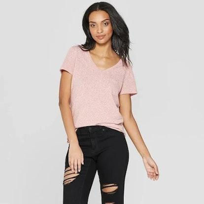 Women's Monterey Pocket V-Neck Relaxed Fit Short Sleeve T-Shirt - Universal Thread™