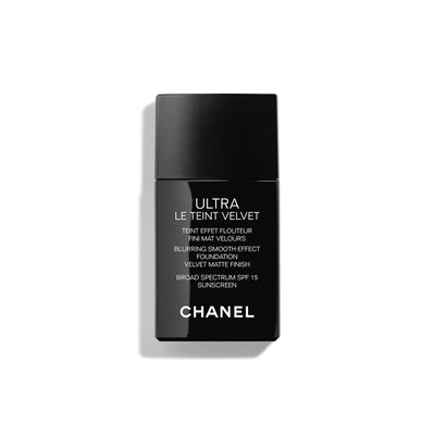 Ultra Le Teint Velvet Blurring Smooth-Effect Foundation Velvet Matte Finish Broad Spectrum SPF 15 Sunscreen