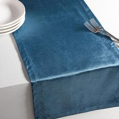 Luster Velvet Solid Table Runner