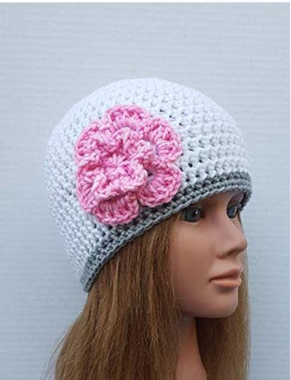 Crochet HQ Women's White Hat Pink Flower Beanie