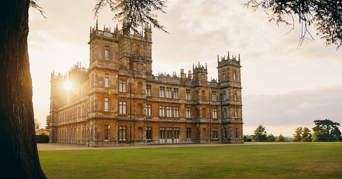 Downton Abbey Is An Airbnb Rental — & An Affordable One At That