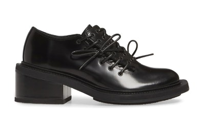 Lace-Up Brogue Derby