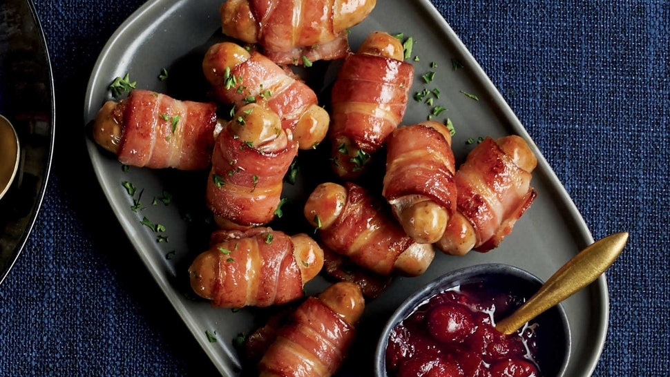 Christmas Pigs.Aldi S Pigs In Blankets For Christmas 2019 Are Two Metres
