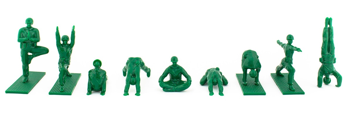 ** 1964-GI JOE CANADA-2019 ** New Yoga Joes Green Army Men Peace Pose 1