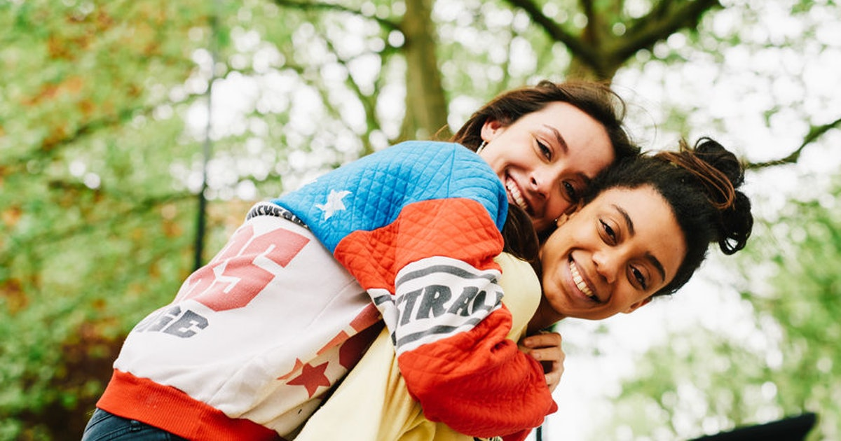 4 Zodiac Signs Who Are Great At Communicating With Their Partners