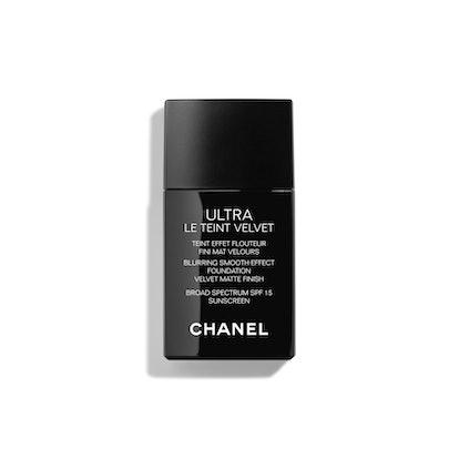 Ultra Le Teint Velvet Blurring Smooth-Effect Foundation