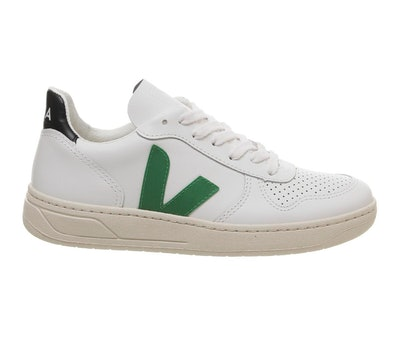 V10 Trainers