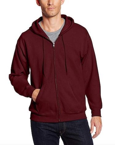 Rue wears a maroon hoodie on 'Euphoria.'