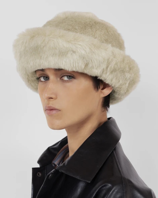 Fur Bucket Hat in Ecru
