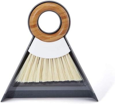 Full Circle Dustpan and Brush Set