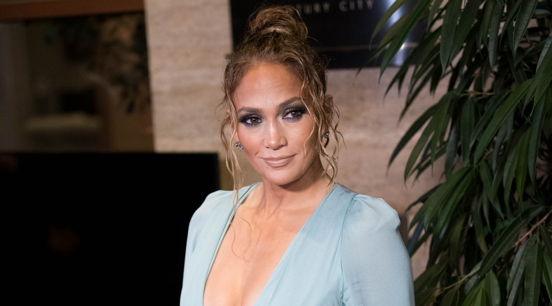 J.Lo's blonde highlights lighten up the star's hair.