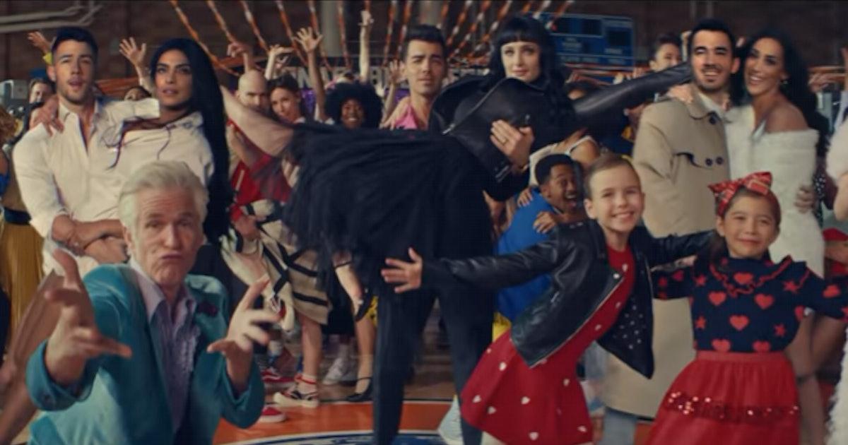 "The Jonas Brothers' ""What A Man Gotta Do"" Video Recreates Classic Romance Movies"