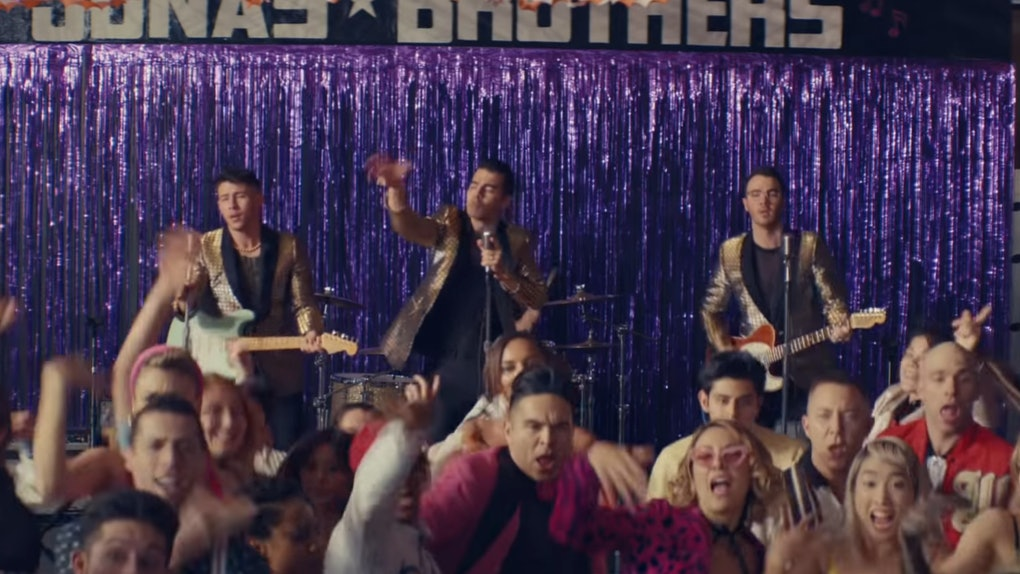 """The Jonas Brothers' """"What A Man Gotta Do"""" Video"""