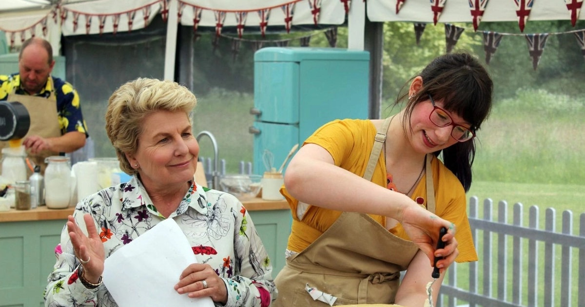 7 Of Sandi Toksvig's Best Moments On 'The Great British Bake Off'