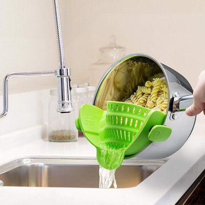 Kitchen Gizmo Clip-on Strainer