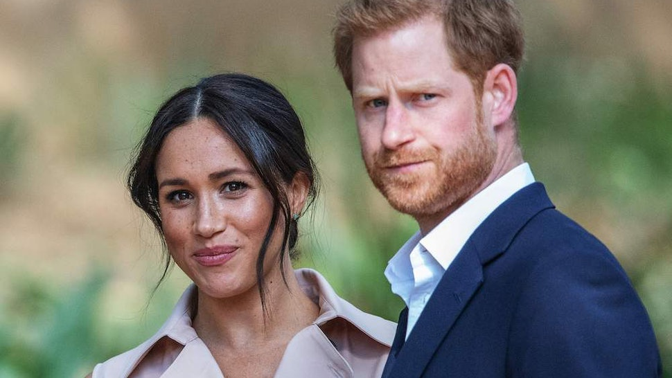 Harry & Meghan Call Out Paparazzi As They Relocate To Canada