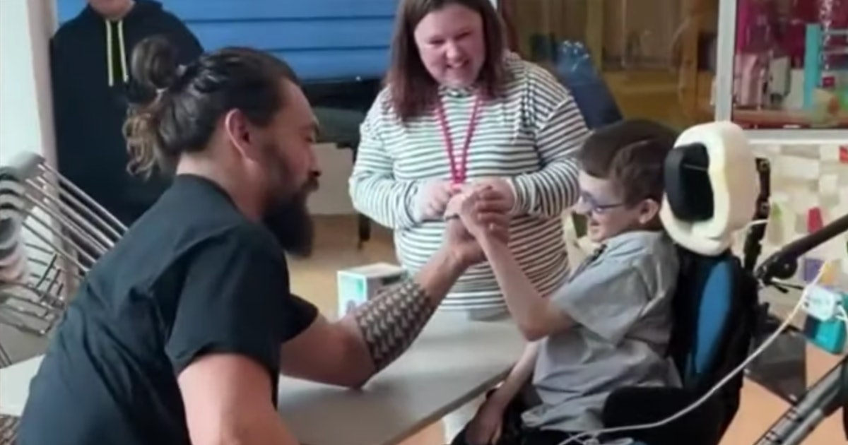 Jason Momoa Arm Wrestling A Patient At A Children's Hospital Is So Pure