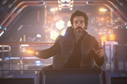 Santiago Cabrera in the new Picard.