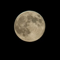How to tell a Blood Moon from a Supermoon