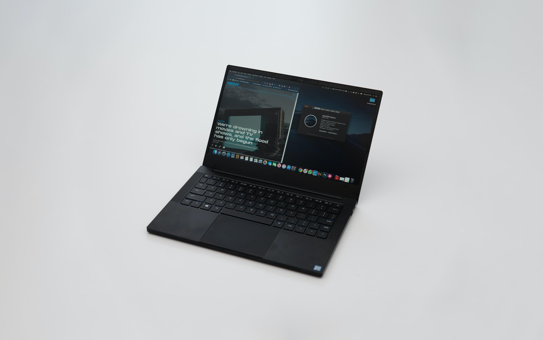 The best 13 inch hackintosh laptop is the Razer Blade Stealth
