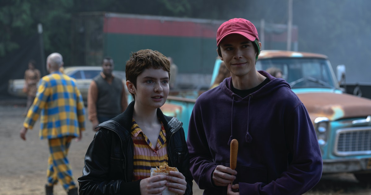 """Theo & Robin's Relationship On 'Chilling Adventures Of Sabrina' Is """"Sweet Justice,"""" Says Lachlan Watson"""