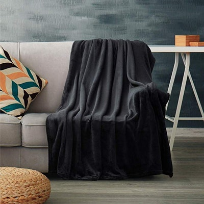 Bedsure Fleece Blanket Twin Size Black Lightweight Blanket