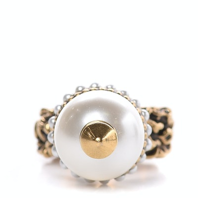 Aged Gold Metal Pearl Ring
