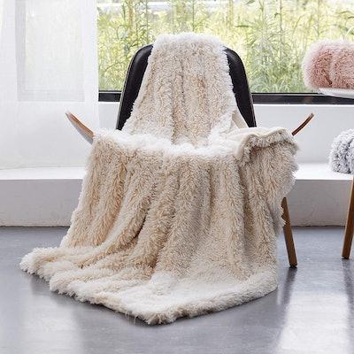 GONAAP Super Soft Faux Fur Shaggy Luxurious Blanket
