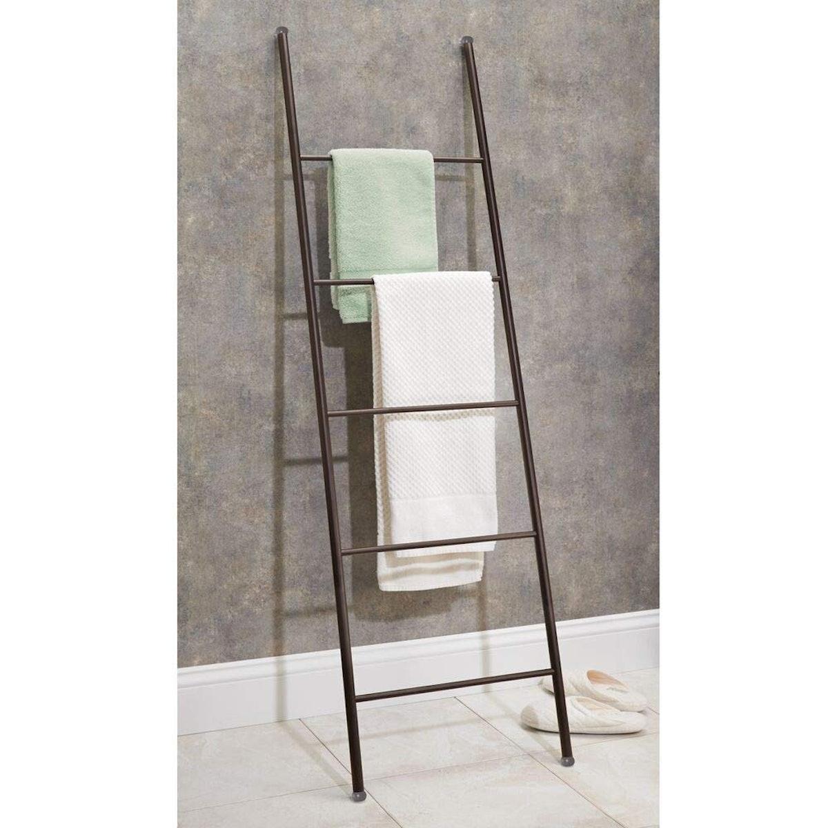 mDesign Metal Free Standing Storage Ladder