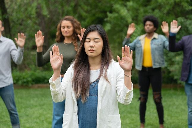 Volunteers practice their intuition in an episode of Netflix's 'The goop Lab'