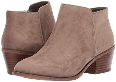 Amazon Essentials Women's Microsuede Ankle Boot