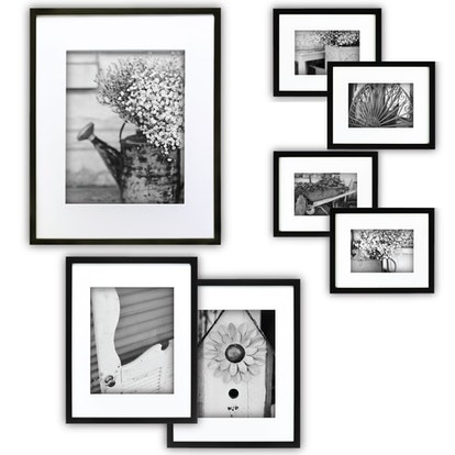 Gallery Perfect Black Photo Frame Wall Gallery Kit (7 Pieces)