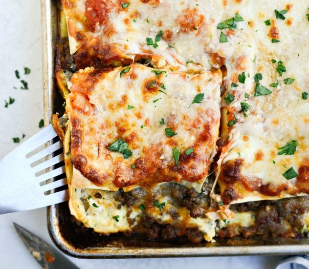 Simply Scratch's easy sheet pan lasagna recipe can be done in about an hour